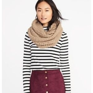 {Old Navy} honeycomb chunky knit  scarf